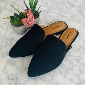 Shoes - ❣️CLEARANCE❣️Suede Mule Loafer Flats
